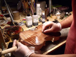 preparation-bois-violon-luthier-th