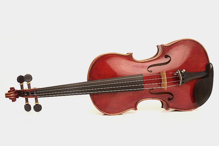 Maestro Violin Saint Juvin