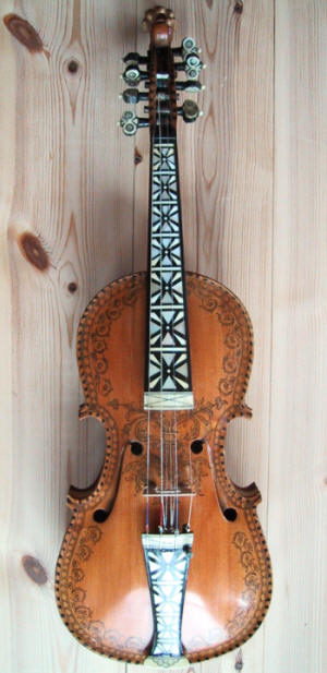 violon de hardanger ou hardingfele entier